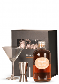 Whisky Nikka Perfect Serve Pure Malt White, Set cadou (0.5L)